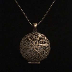 Jewelry - Antique Bronze Essential Oil Defuser Locket